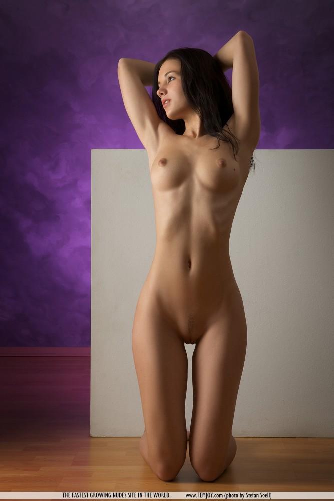 самый молодой девушки фото голой