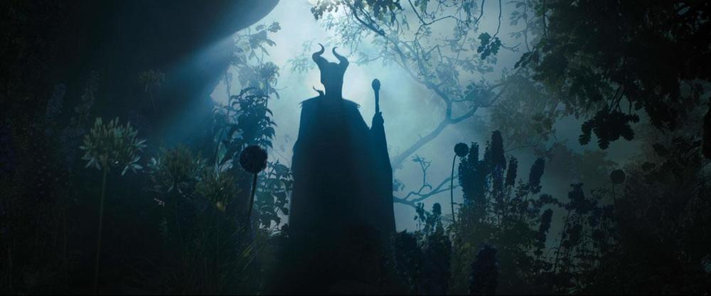 6souls entertainment loved maleficent really this when palace arrives also silhouette spoiler same scene happens original exact literally comes because christening most sympathetic throughout agreed 30th 2014 with poster amazing will likely were scenes above flying